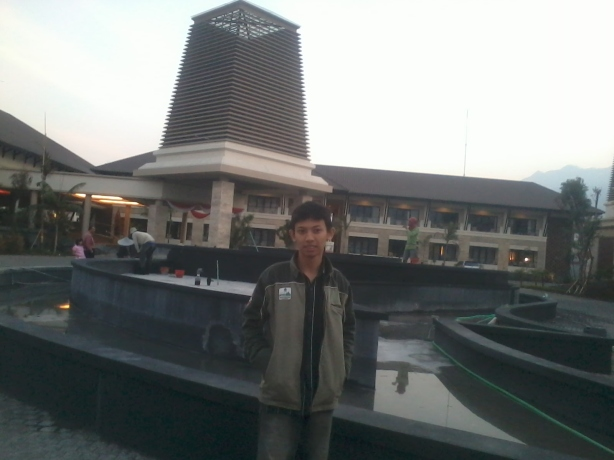 depan hotel :-)