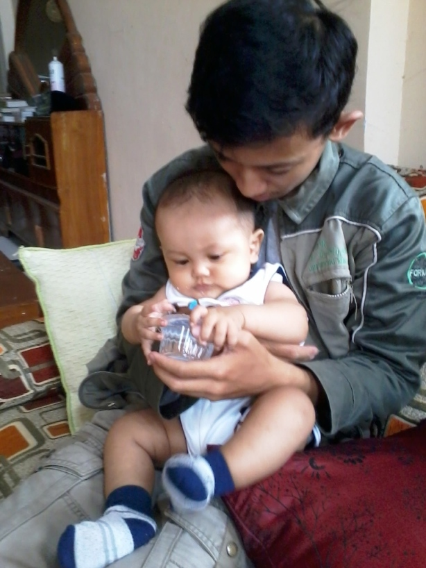 dengan putra nya Ustadz Diny