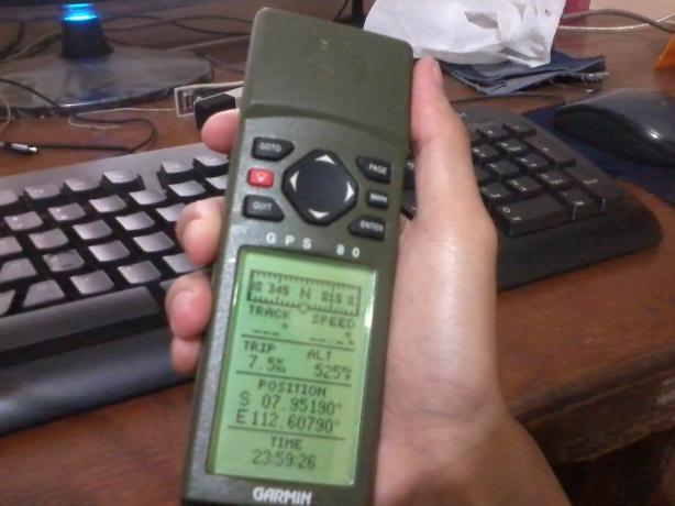 GPS di tangan