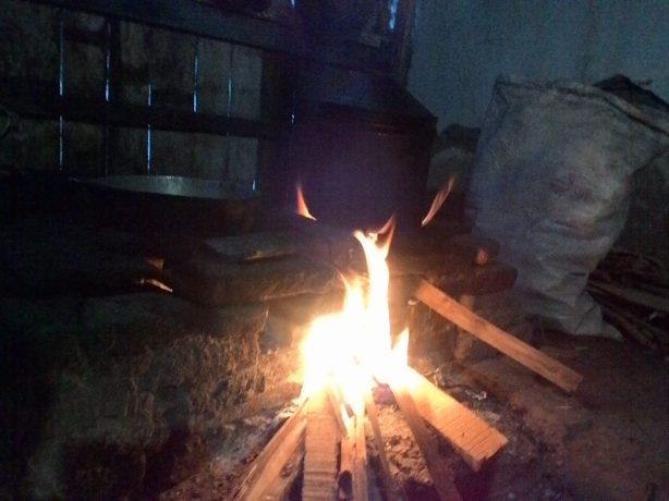 Mencintai api harus menjadi jilat