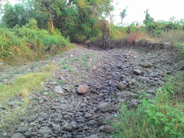 sungai seblah sawah kering