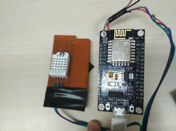 Node MCU v3 dan sensor DHT 22
